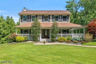 16 Horace Rd, Oak Ridge, NJ 07438