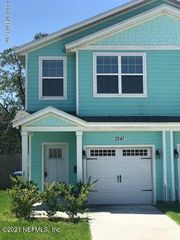 2243 Pine Pl, Neptune Beach, FL 32266