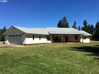 32115 Harris Dr, Cottage Grove, OR 97424