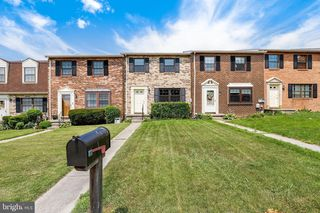 8 Badger Gate Ct, Catonsville, MD 21228