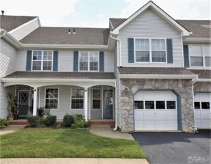 52 Heather Ct, Monmouth Junction, NJ 08852