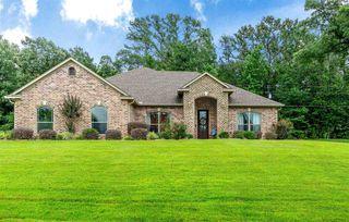 220 Towering Oaks Mdws, Longview, TX 75602