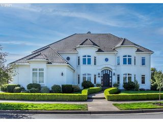 3801 Meadow View Dr, Eugene, OR 97408