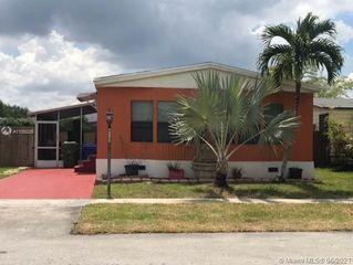 251 NW 218th Ter, Pembroke Pines, FL 33029