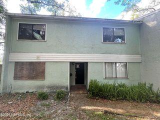 722 Oaks Manor Ct #L1-2, Jacksonville, FL 32211