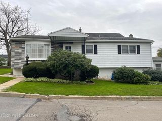 25 Kniffen St, Hanover Township, PA 18706