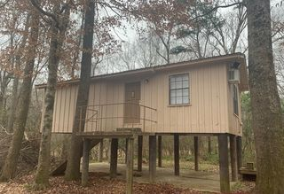 145 River Lot Rd, New Augusta, MS 39462