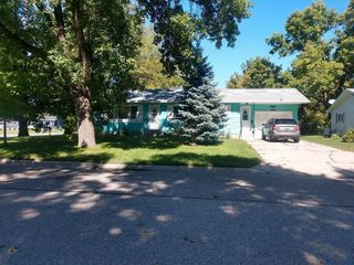 520 Fremont Ave NW, Renville, MN 56284