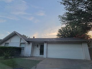 2708 Crestmoor Ct, Arlington, TX 76016