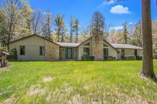 5835 Old Country Cir, New Franken, WI 54229