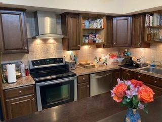 1 Chapel Hill Dr #4, Plymouth, MA 02360