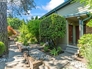 908 SW Gaines St #4, Portland, OR 97239