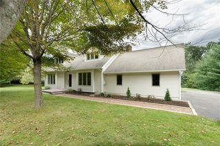 1007 W Woods Rd, Hamden, CT 06518
