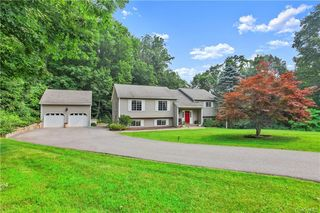 25 Shawe Valley Ln, Patterson, NY 10509