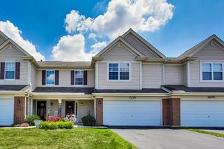 2214 Daybreak Dr, Lake In The Hills, IL 60156
