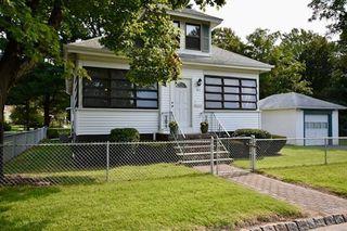 41 Castle Ave, Fairhaven, MA 02719