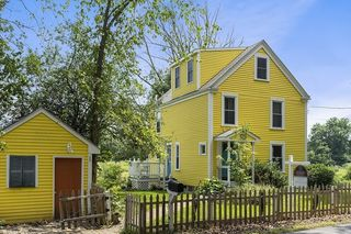 193 Foster St, North Andover, MA 01845