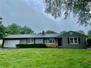 4023 S Woodland Ave, Independence, MO 64052