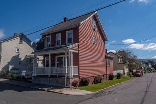 1815 23rd Ave, Altoona, PA 16601