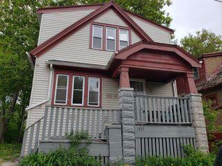 1333 W Cottage Pl, Milwaukee, WI 53206