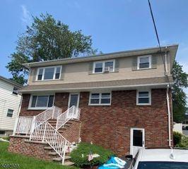 4 Sibel Ct, Little Falls, NJ 07424
