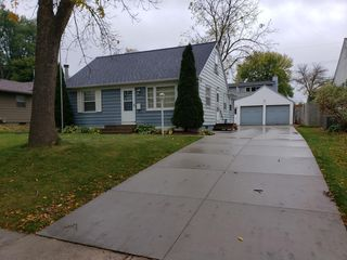 1006 12th Ave NW, Rochester, MN 55901