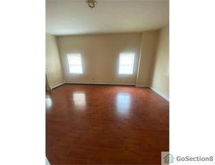378 Brooks St, Bridgeport, CT 06608