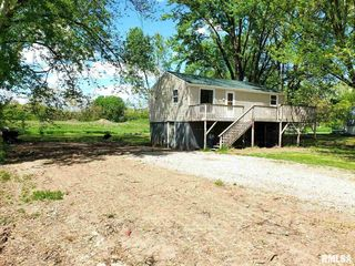 24800 179th St, Pleasant Valley, IA 52767