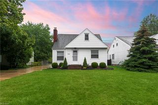 7515 Farnum Ave, Middleburg Heights, OH 44130