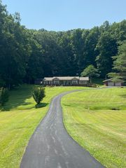 13953 Highway 190, Pineville, KY 40977