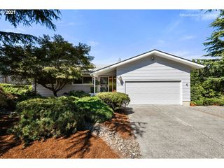 9348 SE Sun Crest Dr, Happy Valley, OR 97086