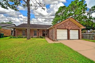 233 Willoughby Dr, Richmond, TX 77469
