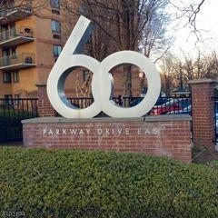 60 Parkway Dr E, East orange, NJ 07017