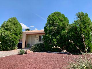 524 Georgia St SE, Albuquerque, NM 87108