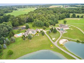 9427 Hubbard Valley Rd, Seville, OH 44273