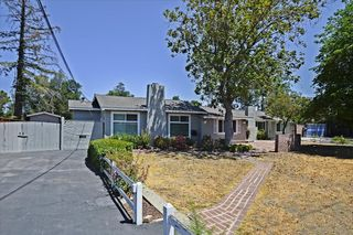 900 Old Orchard Rd, Campbell, CA 95008