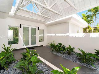1765 Daytonia Rd, Miami Beach, FL 33141