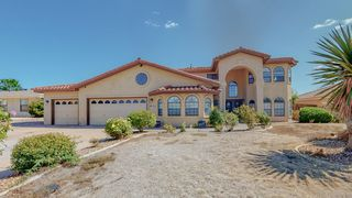 564 Nicklaus Dr SE, Rio Rancho, NM 87124