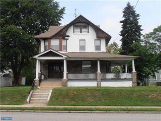 835 11th Ave #2R, Prospect Park, PA 19076