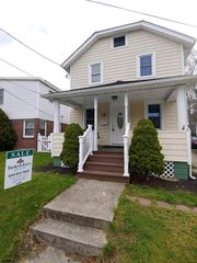 25 W Maryland Ave, Somers Pt, NJ 08244