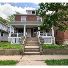 208 N Hickory St, Joliet, IL 60435