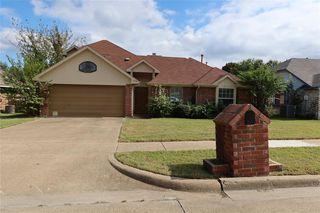 1714 Knob Hill Dr, Garland, TX 75043