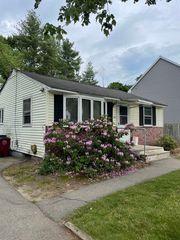 69 Burnham Rd, Lowell, MA 01852