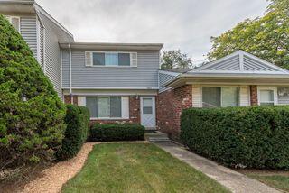 422 Mallview Ln, Bolingbrook, IL 60440