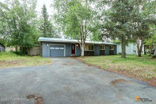 8035 Loganberry St, Anchorage, AK 99502