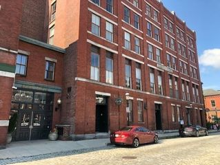 172 Middle St #206, Lowell, MA 01852