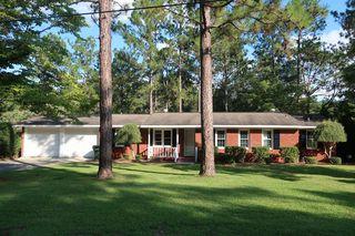 826 Prosperity Dr, Swainsboro, GA 30401