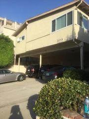 11719 Mayfield Ave #3, Los Angeles, CA 90049