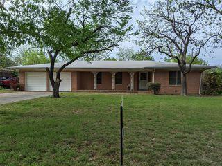1106 W Howard St, Olney, TX 76374