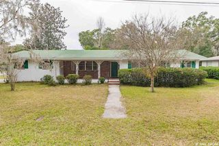800 NW 37th Dr, Gainesville, FL 32605